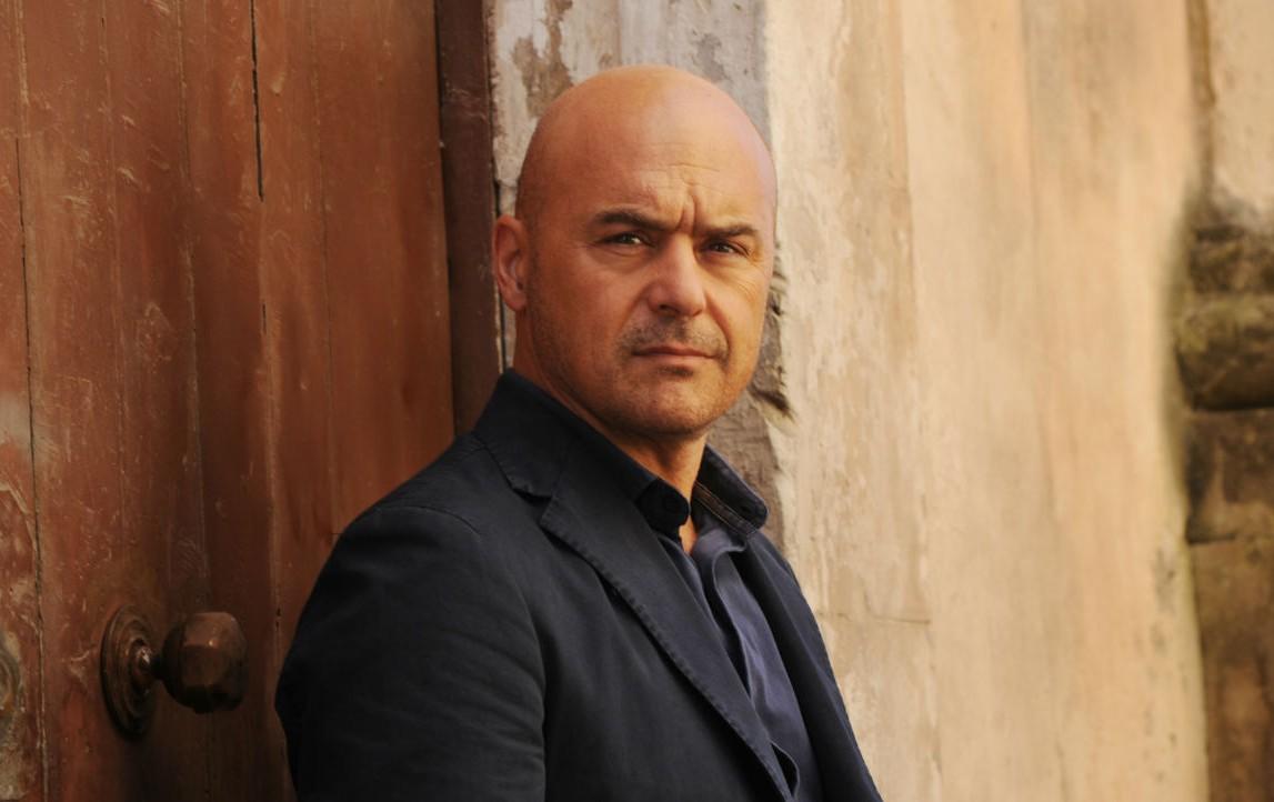 Luca Zingaretti in una scena della serie